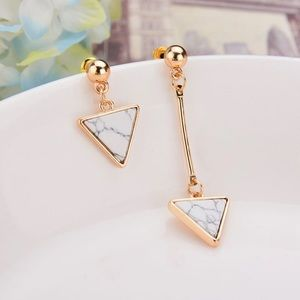 Faux Marble Arrow Earrings in Black and White